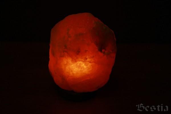 Светящаяся скала соли