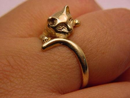Оригинальное кольцо-кошка