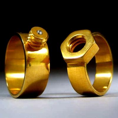Оригинальные кольца для молодоженов