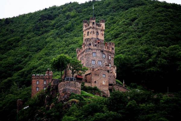 Замок Райхенштайн в Германии