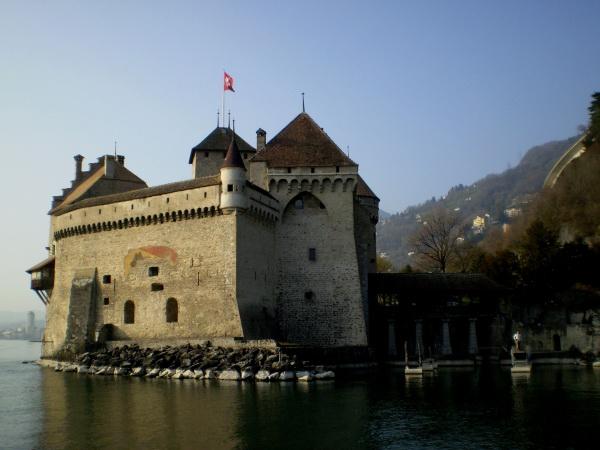 Замок Шато-де-шильон в Швейцарии