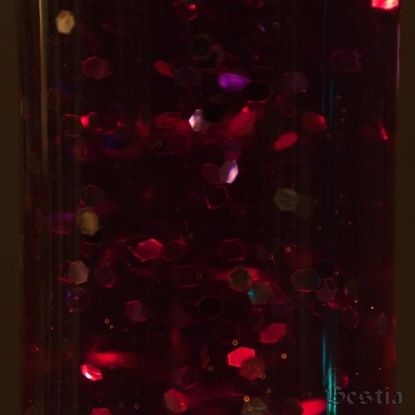 Фиолетовые блестки в темноте