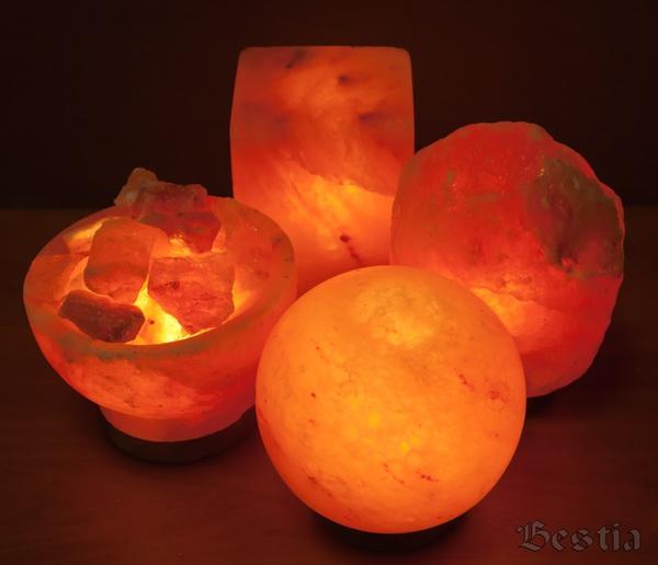 Лампы из соли в темноте
