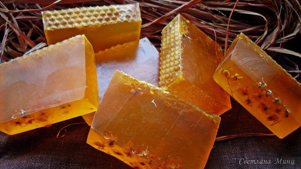 Медовые куски мыла