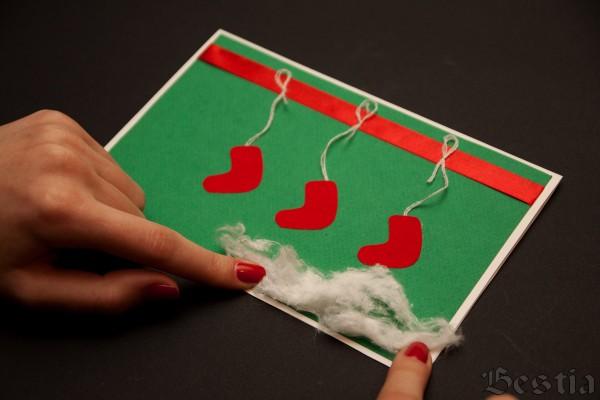 Декорирование открытки ватой