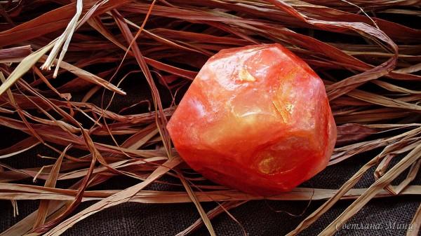 Мыло в форме маленького камешка