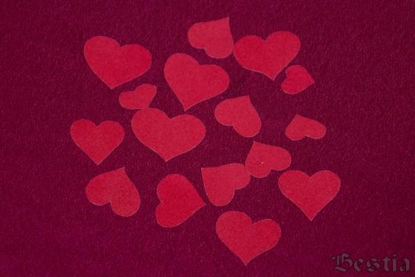 Сердечки из бархатной бумаги