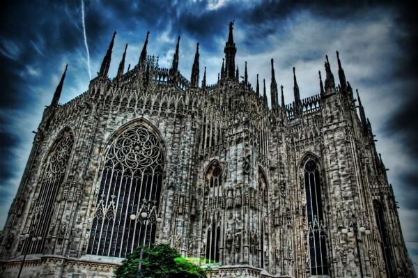 Готический Собор Дуомо в Милане