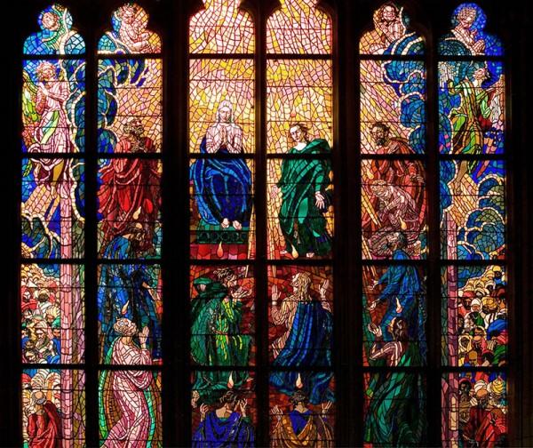 Витражи в Соборе Святого Витта