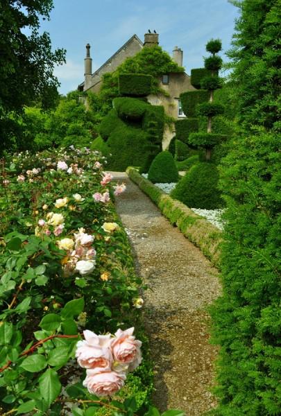 Топиарный сад в Англии