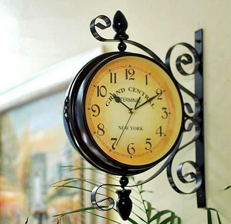 Часы-вывеска