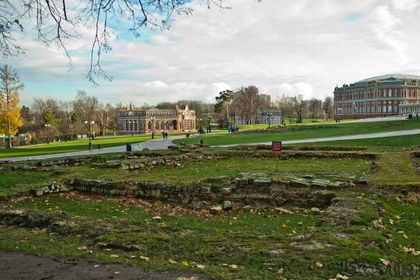 Фундамент Большого Кавалерского дворца