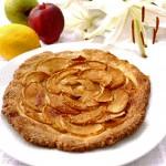 Яблочный пирог с нежным миндальным кремом